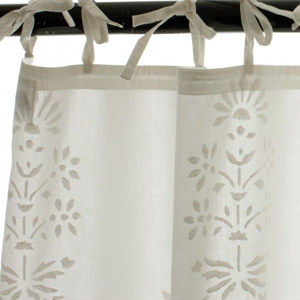 Classic Flower Motif Curtain