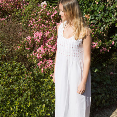 White cotton nightie with pink daisies